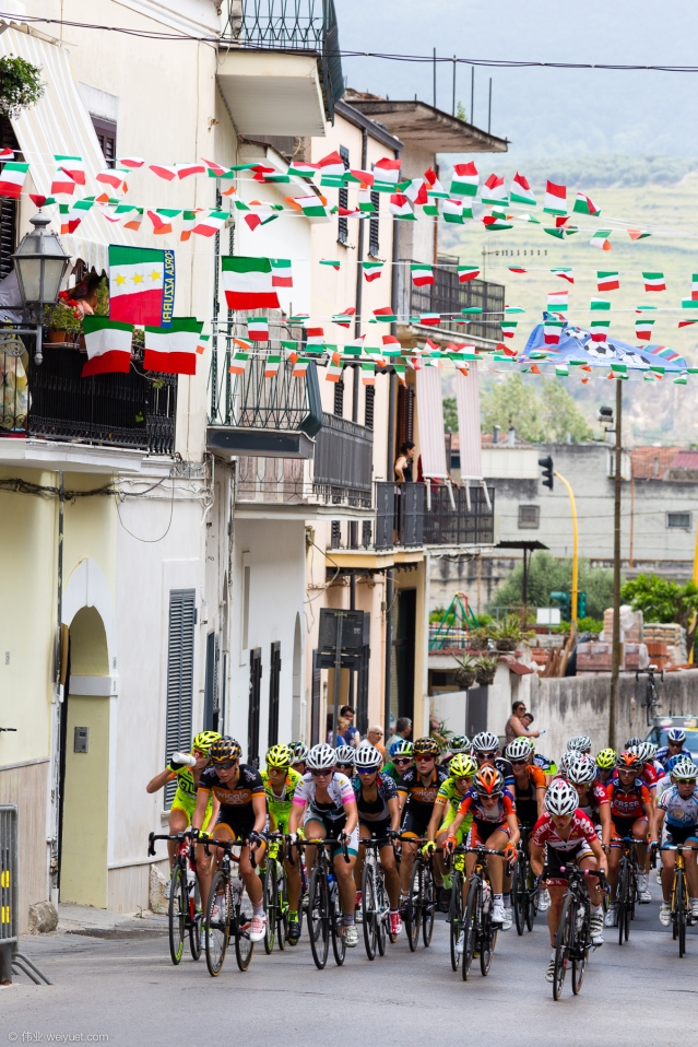 The first road stage of the Giro Rosa was held around the city of Santa Maria a Vico on a tough circuit. © Wei Yuet Wong