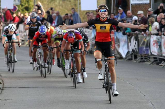 Jolien wins at Omloop van het Hageland.